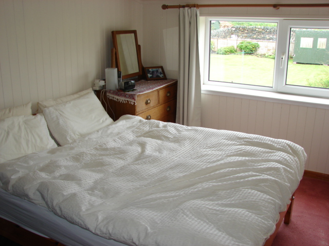Photograph of Port Logan Lodge bedroom